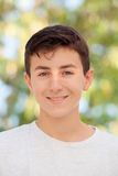 Årig tonårs- pojke tillfälliga tretton Arkivfoto