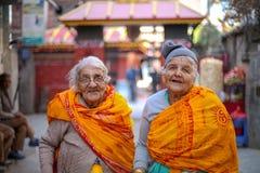 100 åriga lyckliga asiatiska äldre kvinnor royaltyfria foton