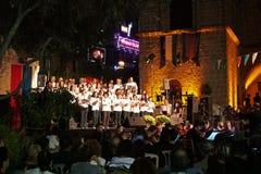 Årlig festival av medeltida kulturer av Europa Cypern Ayia Napa royaltyfri fotografi