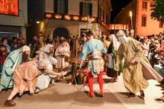 Årlig procession av korsfästelsen av Jesus Christ på easter Royaltyfri Bild