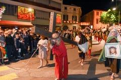 Årlig procession av korsfästelsen av Jesus Christ på easter Arkivfoto