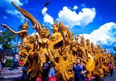 Årliga Lent Candle Festival 2559 på den Suranaree monumentet Arkivfoto
