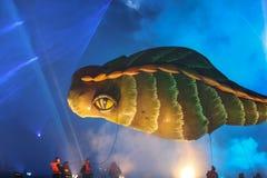 Årliga stora drakar ståtar Arkivbilder