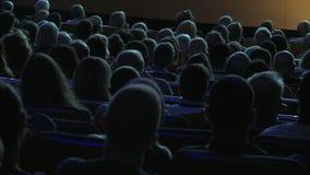 Åskådare för filmteater lager videofilmer