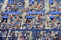 Åskådare på ATPEN Barcelona öppnar bancen Sabadell Arkivbild