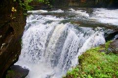 Åska av den Aberdulais vattenfallet royaltyfria foton