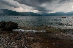 Åskväder i den Boka-Kotorska fjärden Royaltyfria Bilder