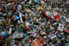 återanvändning av tins Royaltyfri Foto