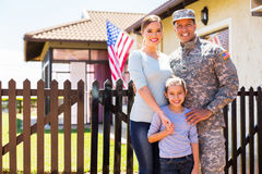 Återförenad familj för amerikansk soldat Royaltyfria Bilder