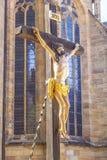 Återgivning av av korsfästelsen av Jesus Christ inom kupolen i Erfurt arkivfoton