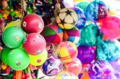 Återkallning av färgglade barndomminnen Arkivfoton