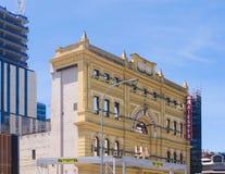 Återställande av gammal teaterbyggnad royaltyfria foton