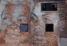 Återställande runt om en väggväggmålning i Detroit Arkivfoto