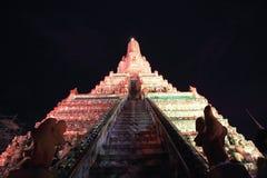 Återställandet reparerar en tempel Wat Arun Fotografering för Bildbyråer