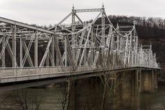 Återställd historisk Ambridge-Woodlawn bro - Ohio River, Pennsylvania Fotografering för Bildbyråer