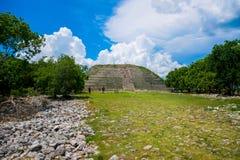 Återställda Maya Pyramid fotografering för bildbyråer