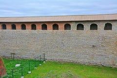 Återställda passager och väggar i fästningen Oreshek nära Shlisselburg, Ryssland Arkivfoton