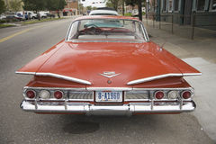 1960 återställde röda Chevy Impala Arkivbilder