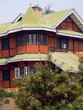 återställt burma kolonialt hus Arkivfoto