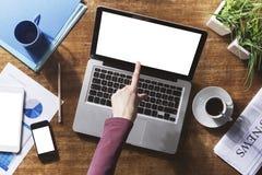 Åtlöje för företags identitet upp på ett skrivbord arkivfoto