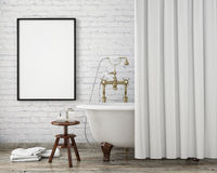 Åtlöje upp affischram i tappninghipsterbadrummet, inre bakgrund, Royaltyfri Fotografi