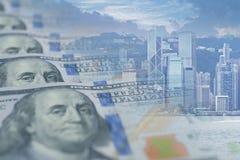 Åtskillig exponering för affärstillväxtgraf med US dollarsedel- och kontorsaffär royaltyfri fotografi