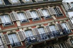 åtskilliga fönster Arkivfoton