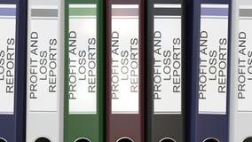 Åtskilliga kontorsmappar med vinst- och förlustrapporter smsar etiketter arkivfilmer