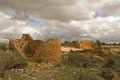 Åtskilliga lerabyggnader på Hovenweep den nationella monumentet royaltyfri fotografi