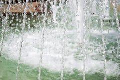 Åtskilliga strålar av springbrunnen Royaltyfri Foto