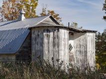 Åttahörniga silor på en Vermont ladugård arkivbild