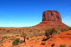 梅里克小山在纪念碑谷/犹他亚利桑那/美国 库存照片