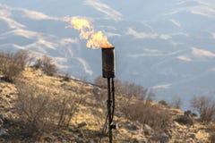 气体燃烧的烟囱 免版税库存照片