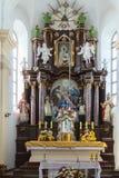 法坛在一个天主教会里 有一些数字噪声,在高ISO的射击 图库摄影