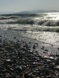 海的湿石头 库存照片