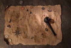 海盗桌,上尉客舱内部 免版税库存图片