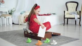 海远航的愉快的女孩梦想 影视素材