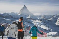 滑雪在瑞士马塔角zermatt 库存照片