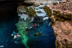 潜航在洞,巴伊亚,巴西 图库摄影