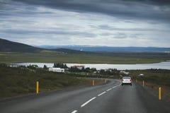 柏油路在冰岛 对Thingvallavegur的路nr 36 免版税库存图片