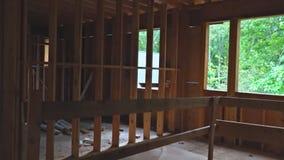 木构架的新的家庭建筑一个新发展计划大厦 股票视频