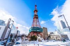札幌北海道,日本- 2月2日札幌电视2019美丽的建筑学大厦在札幌市在雪的北海道日本 免版税库存照片