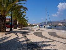有游艇的奎伊在Kefalonia,希腊 库存照片