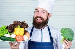 有机烹饪食谱 仅大厨用途eco友好的产品 Eco和有机概念 新鲜的收获菜 免版税库存照片