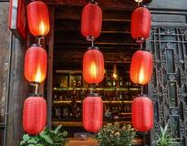 有红色的中文报纸灯笼 库存图片