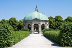 有Dianatempel的Hofgarten公园在慕尼黑,德国 免版税库存照片