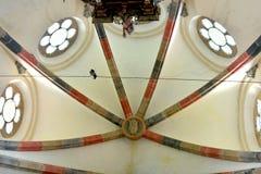 最高限额 里面教会 中世纪cistercian修道院废墟在特兰西瓦尼亚 免版税库存照片