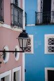 房子五颜六色的细节在Pelourinho,萨尔瓦多,巴伊亚,巴西 免版税库存照片