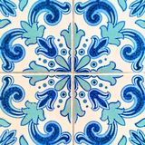 明亮的蓝色和深蓝色的葡萄牙瓦片特写镜头  库存图片
