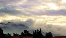 早晨背景山风景在尤马亚利桑那 免版税库存照片